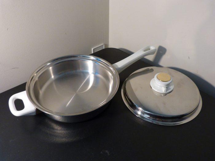 "Health Craft 9.5"" Skillet Pan Vented Lid 5 Ply Nicromium Surgical Steel"
