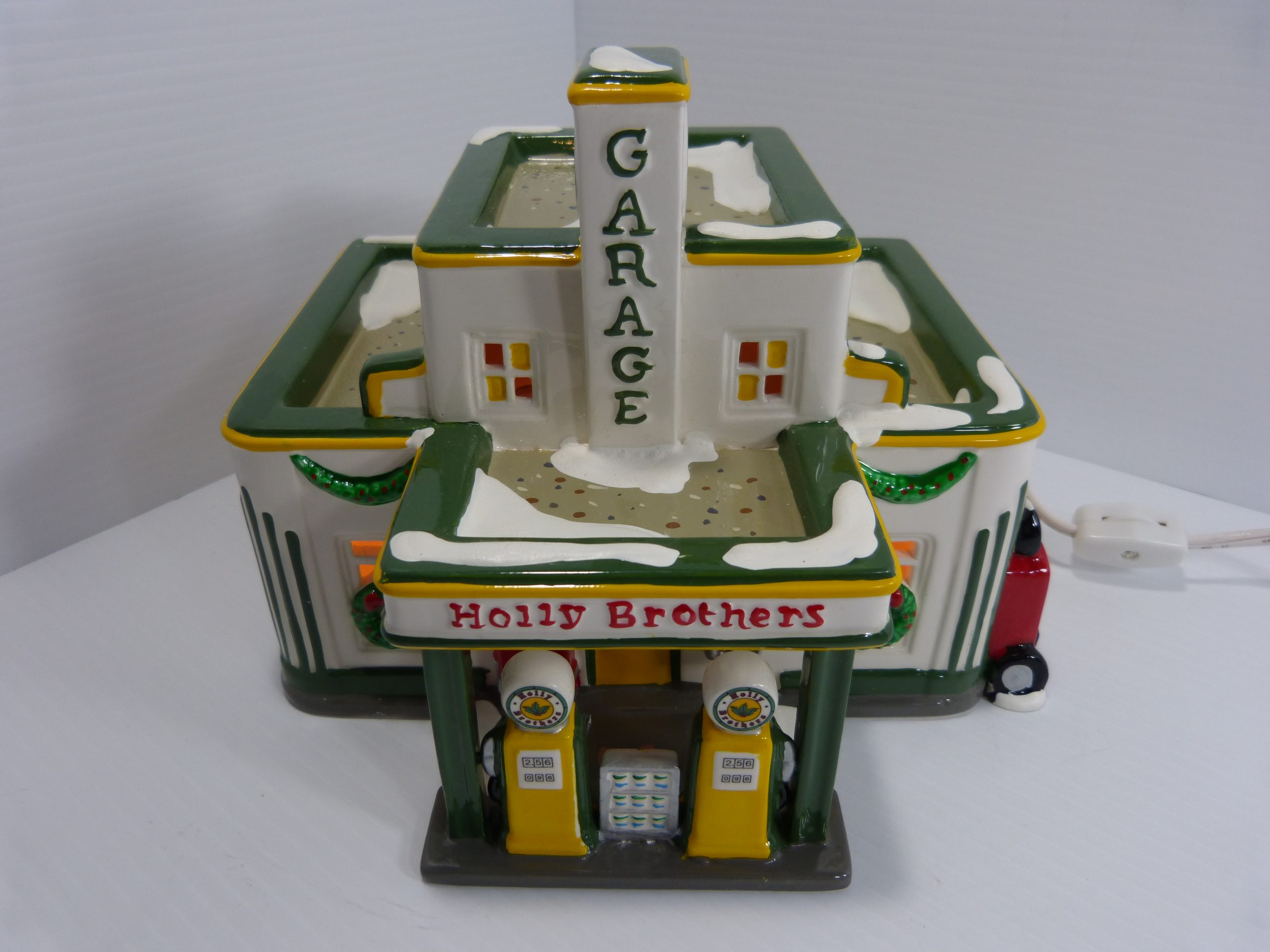 Department 56 Snow Village Holly Brothers Garage & Service With A Smile