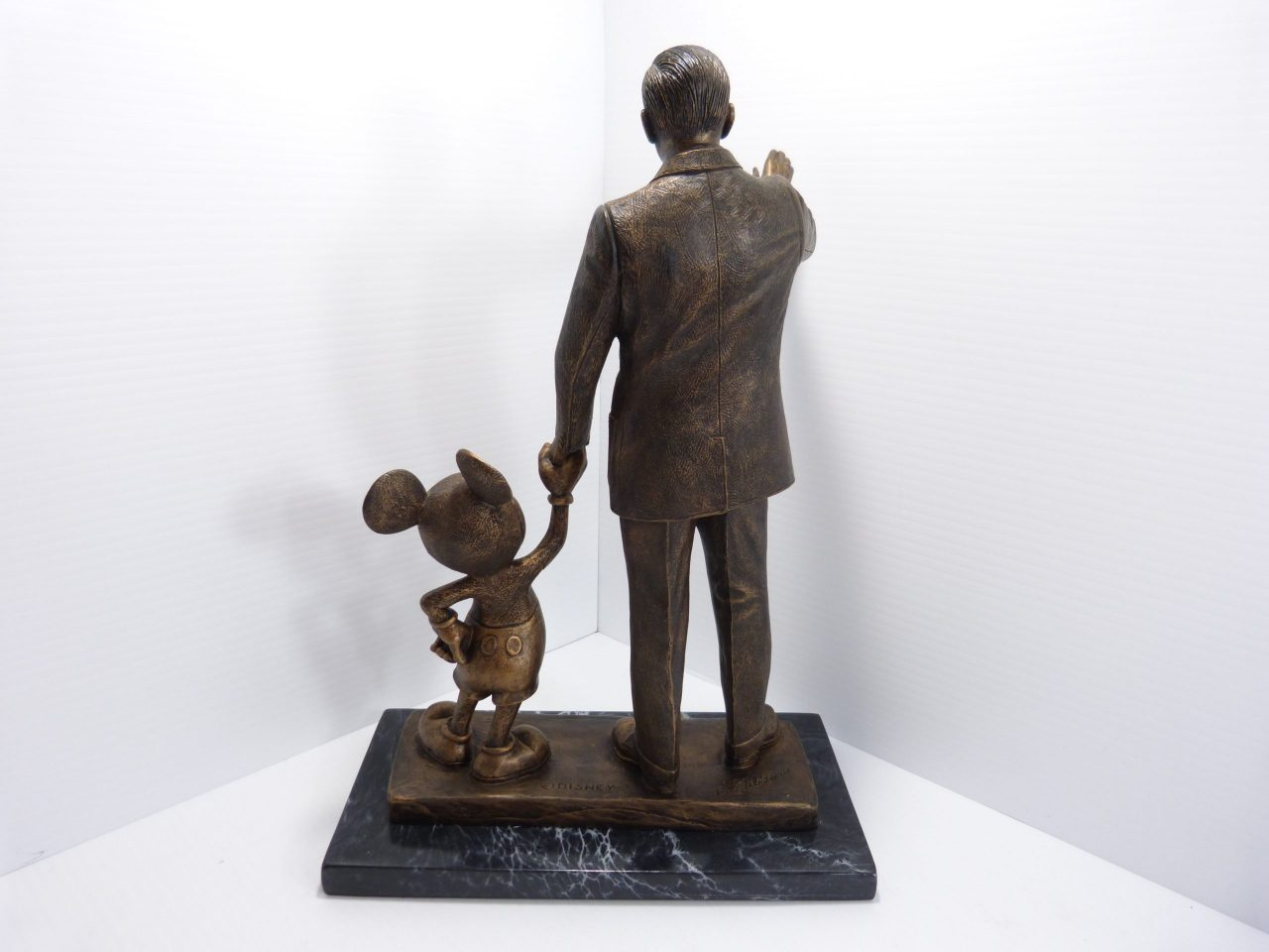 Walt Disney & Mickey Mouse Blaine Gibson Partners Statue