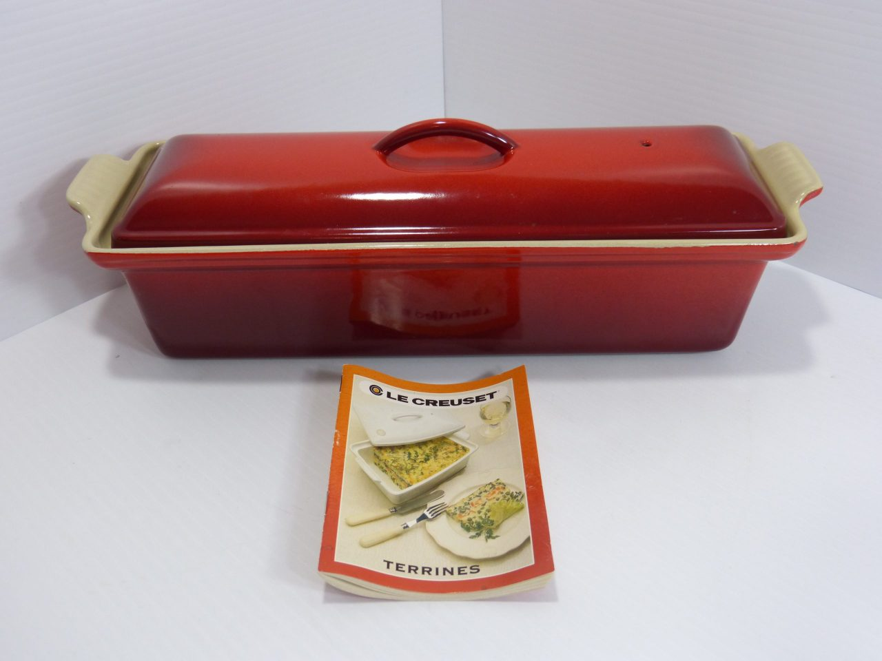 Le Creuset Enamel Cast Iron Terrine Red #32 1.5qt