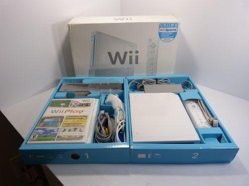 Nintendo Wii White RVL-001 Console Sports Bundle W/Box - TESTED
